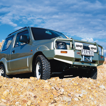 Силовой бампер для Suzuki Jimny бензиновых версий, бампер данной серии возможно использовать с лебедкой